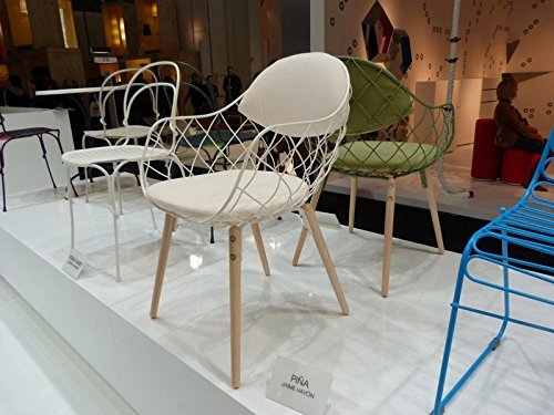 Magis Piña Armchair in Natural ash and Cushions in White Fabric