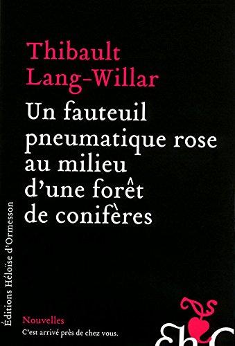 un-fauteuil-pneumatique-rose-au-milieu-dune-foret-de-coniferes