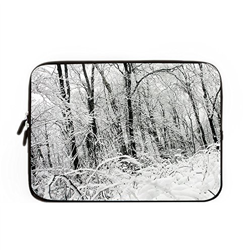 hugpillows-laptop-sleeve-tasche-frozen-lansdscape-winter-snow-forest-notebook-sleeve-cases-mit-reive