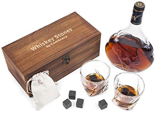 Cumbreca Whisky Steine, Geschenkset mit Whiskey Gläsern: 8 hochpolierte Schwarze FDA geprüfte Kühlsteine aus Granit für puren Getränkegenuss, 2 Gläser aus Kristall, Schutztasche, Holzbox, Eiswürfel - Personalisierte Wein-kühler