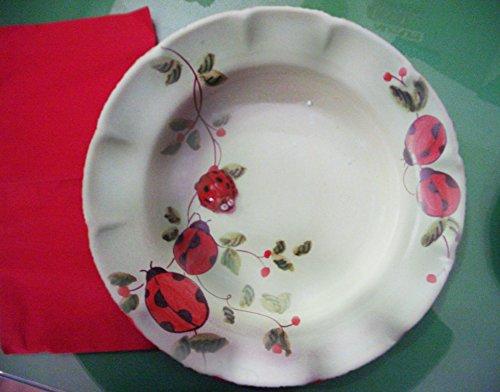 piatto-fondo-in-ceramica-fatto-realizzato-a-mano-con-decoro-coccinelle-25x25x4
