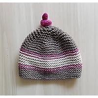 Cappellino da bambina (5- 10 anni) in pura lana merino color castagna, beige e rosa lampone. Realizzato interamente a mano, in Italia
