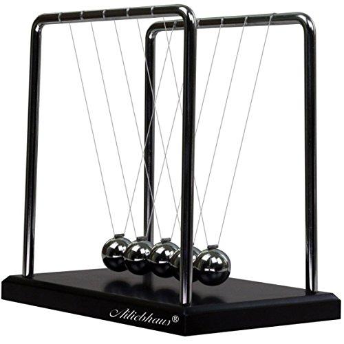 balancier-pendule-de-newton-avec-une-base-en-bois