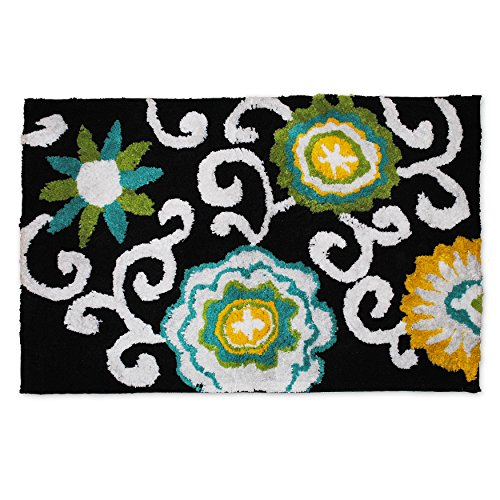 waverly-pom-pom-tufted-bath-rug