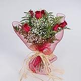 Ramo realizado con 6 rosas rojas colombianas de primera calidad. Precioso ramo para regalar o para la decoración del hogar. Todas nuestras flores son frescas y de calidad.