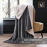 Kuscheldecke Fleecedecke weiche Decke Grau Dicke Wolldecke 150x200cm warme Kuschelige Decke Wohnzimmer aus hochwertige Lammfell Anthrazit von OeLIFE