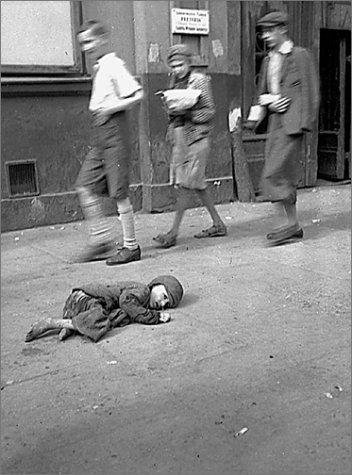 Le Ghetto de Varsovie. Photographies de Heinrich Jöst : In the Ghetto of Warsaw. Heinrich Jöst's Photographs