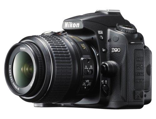 Nikon D90 SLR-Digitalkamera (12 Megapixel, Live-View, HD-Videofunktion) Kit inkl. 18-55mm 1:3,5-5,6G VR Objektiv (bildstab.) (Nikon Makro-blitz)