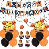 Las decoraciones de la fiesta de baloncesto incluyen remolinos colgantes, pancartas de feliz cumpleaños y globos de aluminio