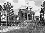 Einfarbige original Radierung Berlin, Brandenburger Tor mit Mauer von König als loses Blatt, Graphik, kein Kunstdruck, kein Leinwandbild