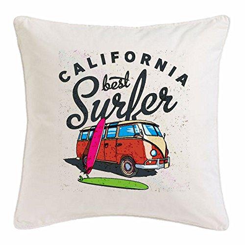 """Kissenbezug 40x40cm """"CALIFORNIA BEST SURFER SURFBRETT RETRO BUS USA AMERIKA VEREINIGTE STAATEN VW SURFER SURFLEHRER FAMILIENBUS"""" aus Mikrofaser in Weiß"""