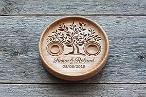 "Anneau Oreiler alternative, Boîte de bague de mariage alternative, Porte alliance en bois, Vaisselle anneau de mariage en bois gravés avec les noms et date, ""Arbre De La Vie"" , ""Tree of Life""."