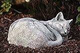 Steinfigur Katze schlafend frost- und wetterfest bis -30C, massiver Steinguss