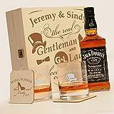 6-tlg Whisky Geschenk-Set mit Jack Daniels No.7 | 2 Gläser, 2 Untersetzer und Whiskey Flasche in Geschenk-Box mit Gravur Motiv - Gentleman and Lady