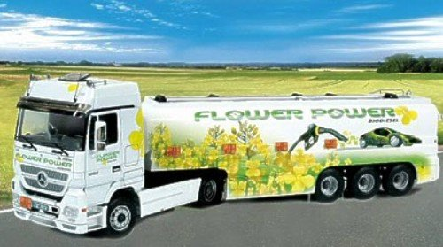 Italeri - I3856 - Maquette - Voiture et Camion - Actros Citerne Flower Power - Echelle 1:24