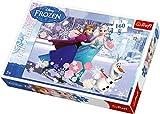 Frozen Puzzle 160 Teile Die beliebten Disney-Stars aus dem erfolgreichem Film Frozen, Elsa, Anna und der lustige Schneemann Olaf, zieren dieses tolle Puzzle. In einer Winterlandschaft auf einem zugefrorenen See haben alle eine Menge Spaß beim Schlittschuh fahren.160 Puzzleteile versprechen großen Puzzlespaß.