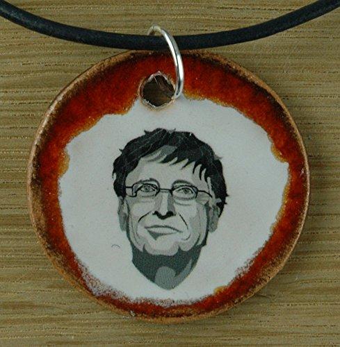 Echtes Kunsthandwerk: Hübscher Keramik Anhänger mit Bill Gates; Microsoft, reichster Mann der Welt, Spenden, Computer, Informatik, Unternehmer, USA
