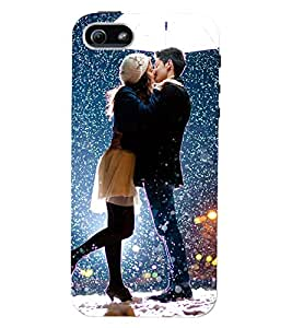Printvisa Premium Back Cover Romantic Couple In Snowfall Design For Apple iPhone 5::Apple iPhone 5S