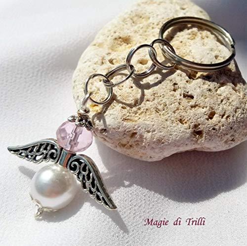 Magie di trilli - ciondolo artigianale portachiavi argentato a forma di angelo con perla e cristallo rosa, completo di anello - bomboniere battesimo, nascita, comunione, primo compleanno - idea regalo