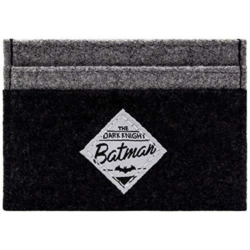 Muestre su amor para DC Batman con esta cartera única! Esta carpeta de DC Batman Está hecho de materiales de alta calidad y es fuerte . Reemplace su vieja cartera o comprar el regalo perfecto para todo fan de DC Batman El diseño de la bolsa es tarjet...