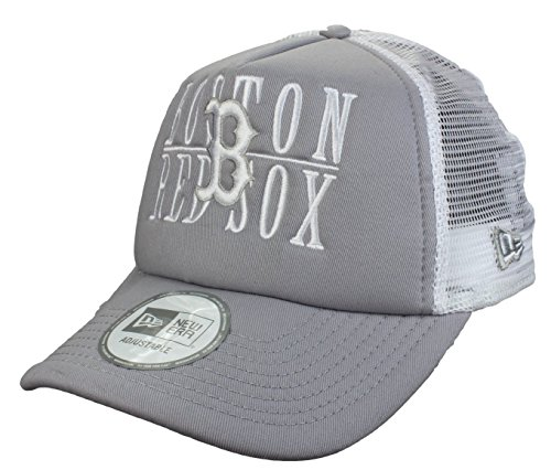 "Casquette New Era Boston Red Sox 9Forty Adjustable Trucker Cap ""Word Stack"" in grey/white"