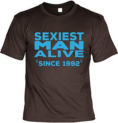 T-Shirt zum 24. Geburtstag Sexiest Man Alive Since 1992 Laiberl Geschenk zum 24 Geburtstag 24 Jahre Geburtstagsgeschenk 24-jähriger Bruder Freund Braun