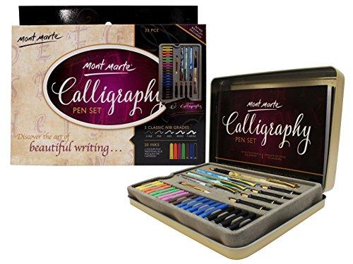Explora el arte de escribir con el juego de plumas de caligrafía Mont Marte  El Juego de Caligrafía Mont Marte le permitirá desarrollar sus habilidades caligráficas para expresar su creatividad a través de una amplia gama de estilos de letras. Los pr...