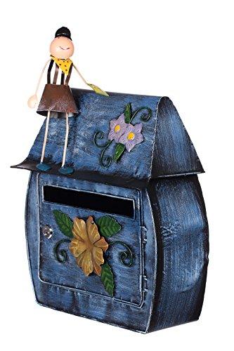 Briefkastenhaus mit kleinem Mann