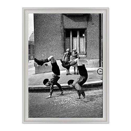 ConKrea Quadro auf Leinwand - fertig zum Aufhängen - Fratelli Les frres - Docteur Lecne - Parigi 1934 - Robert Doisneau - STORIA Della FOTOGRAFIA Dimensione: 50x70cm C - Colore Bianco Contemporaneo