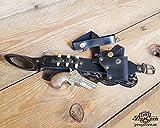 Liguero Negro Derringer Steampunk con pistolera, pistola, balas y encaje. Complemento de cuero sexy, mortal y cómodo.