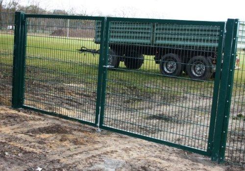 Einfahrtstor 2-flügelig / Einbaubreite: 450cm - Einbauhöhe: 180cm - Inklusive 2 Pfosten (60mm x 60mm) / Grün beschichtet / Mattentor Industrietor