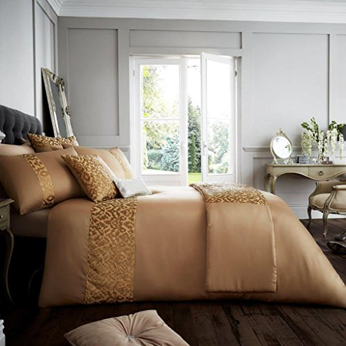 Designer Luxury Embroidered Venice Duvet/ Quilt Cover Bedding Set With Pillows (Super King, Gold)