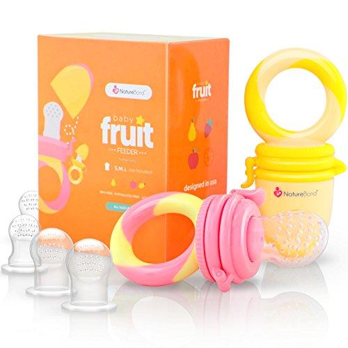 NatureBond Baby Fruit Feeder Babynahrung Nahrungsmittelzufuhr / Fruchtsauger Schnuller (2 Stück) - Baby Beißring in appetitanregenden Farben | Inklusive Bonus Silikon-Nippel (alle Größen)