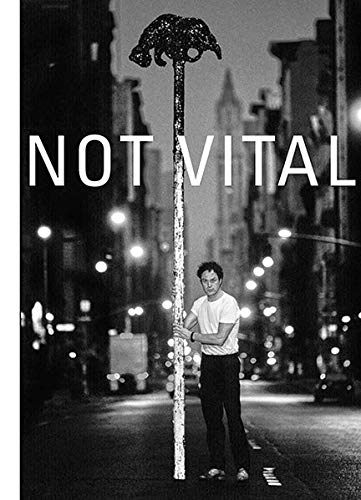 Not Vital – univers privat