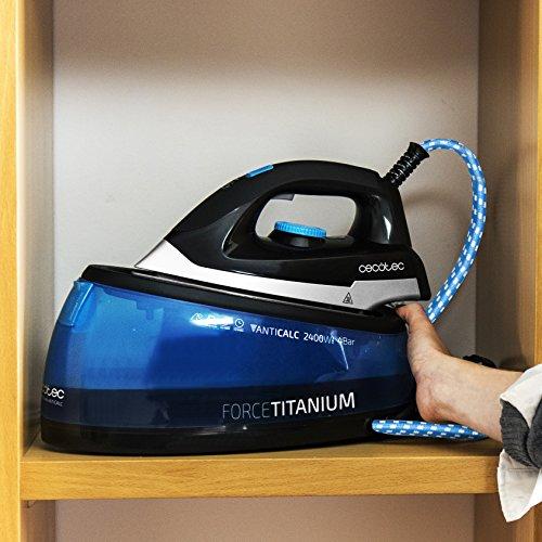 Cecotec ForceTitanium 4000 Smart Centro de Planchado, 2400 W, control automático de temperatura, 120 g/min, 4 Bares, Suela TitaniumSlide, Modo Eco, depósito de 2 litros, Vapor Vertical, Multicolor