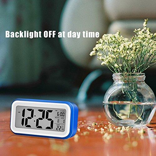 Reloj despertador digital de gran pantalla silencioso con fecha  indicador de temperatura  calendario y luz de noche  alarma con sensor táctil y de luz  Se carga por USB o batería AAA  Azul Oscuro