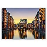 ge-Bildet hochwertiges Leinwandbild 'Wasserschloss in der Speicherstadt - Hamburg' - Premium Leinwanddruck 70 x 50 cm einteilig