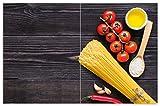 Wallario Herdabdeckplatte/Spritzschutz aus Glas, 2-teilig, 80x52cm, für Ceran- und Induktionsherde, Motiv Italienisches Menü mit Spaghetti, Tomaten, Salz und Chilischoten