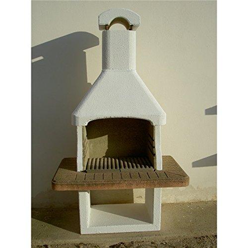Grill Beton kämpferisch Kohle und Holzscheite