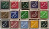 Almohadillas pequeñas de tinta para papel, tela, madera, etc. Set de 15colores diferentes, uno por color, de la marca Tsukineko VersaCraft
