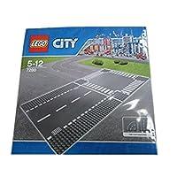 LEGO City 7280 - Rettilineo e incrocio - Contiene 1 base dritta e 1 base con incrocio - Ogni base misura 25 x 25 cm - Numero totale di pezzi: 2 - Espandi la tua città Lego con questa serie di lastre rette e crocevia!