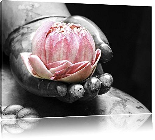 liegender Lotus in einer Hand eines Buddhas schwarz/weiß Format: 120x80 auf Leinwand, XXL riesige Bilder fertig gerahmt mit Keilrahmen, Kunstdruck auf Wandbild mit Rahmen, günstiger als Gemälde oder Ölbild, kein Poster oder Plakat