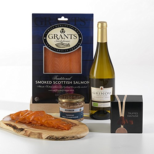 Hay Hampers Smoked Salmon, Bergerac and Chocolates Hamper in Gift Box - FREE UK Delivery