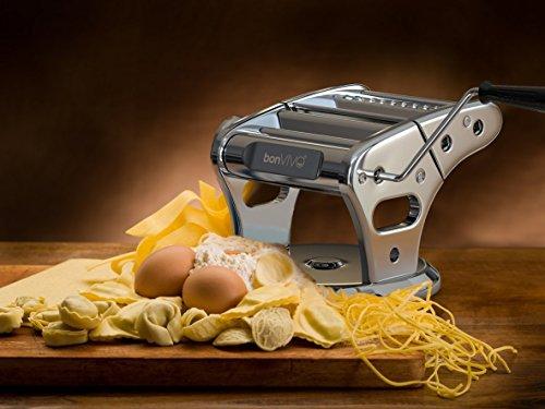 bonvivo-pasta-mia-neues-design-nudelmaschine-aus-edelstahl-in-chrom-look-fuer-den-italienischen-pasta-genuss-aus-der-eigenen-kueche-mit-rutschfesten-ansaugsockel-4