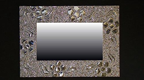 fiori-specchiera-cesellata-a-mano-in-alluminio-supporto-in-compensato-marino-repellente-allumidita