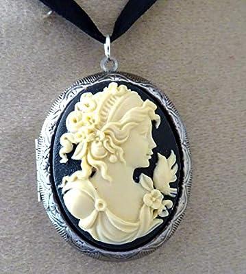 medaillon camée porte photo jeune fille et la colombe