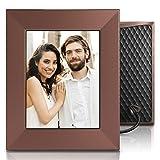 Nixplay Iris - Cornice WiFi Cloud per foto e video 8 pollici: design raffinato, tecnologia d'avanguardia e gioia da condividere. Altro che semplice cornice digitale! Colore: Bronzo brunito.W08E.