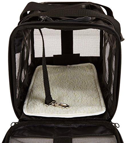 Amazon Basics Pet carrier bag, soft side panels 6