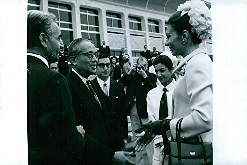 vintage-photo-of-3rd-secretary-general-of-the-un-u-thant-being-introduced-with-farah-diba-while-fara