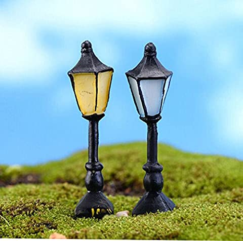 SecretRain Miniature Resin Garden Fairy Ornament Retro Streetlight Set